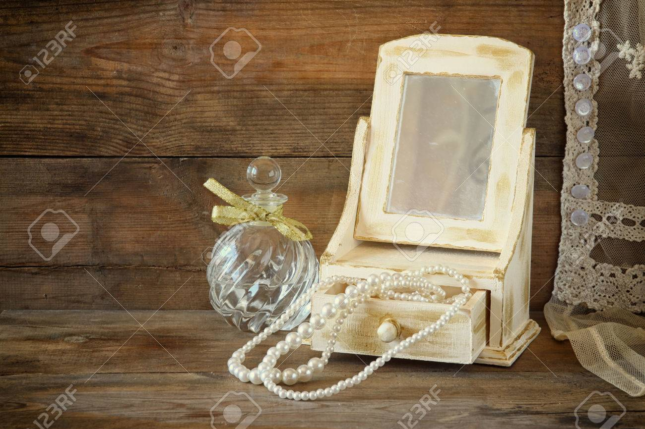 Vintage Pearls Antique Wooden Jewelry Box With Mirror And