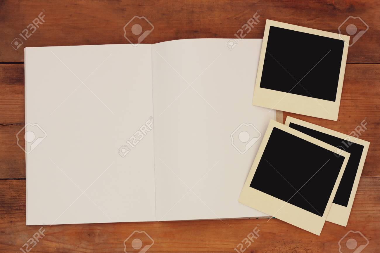 Ffnen Sie Leeres Notizbuch Und Leere Fotografie-Rahmen über ...