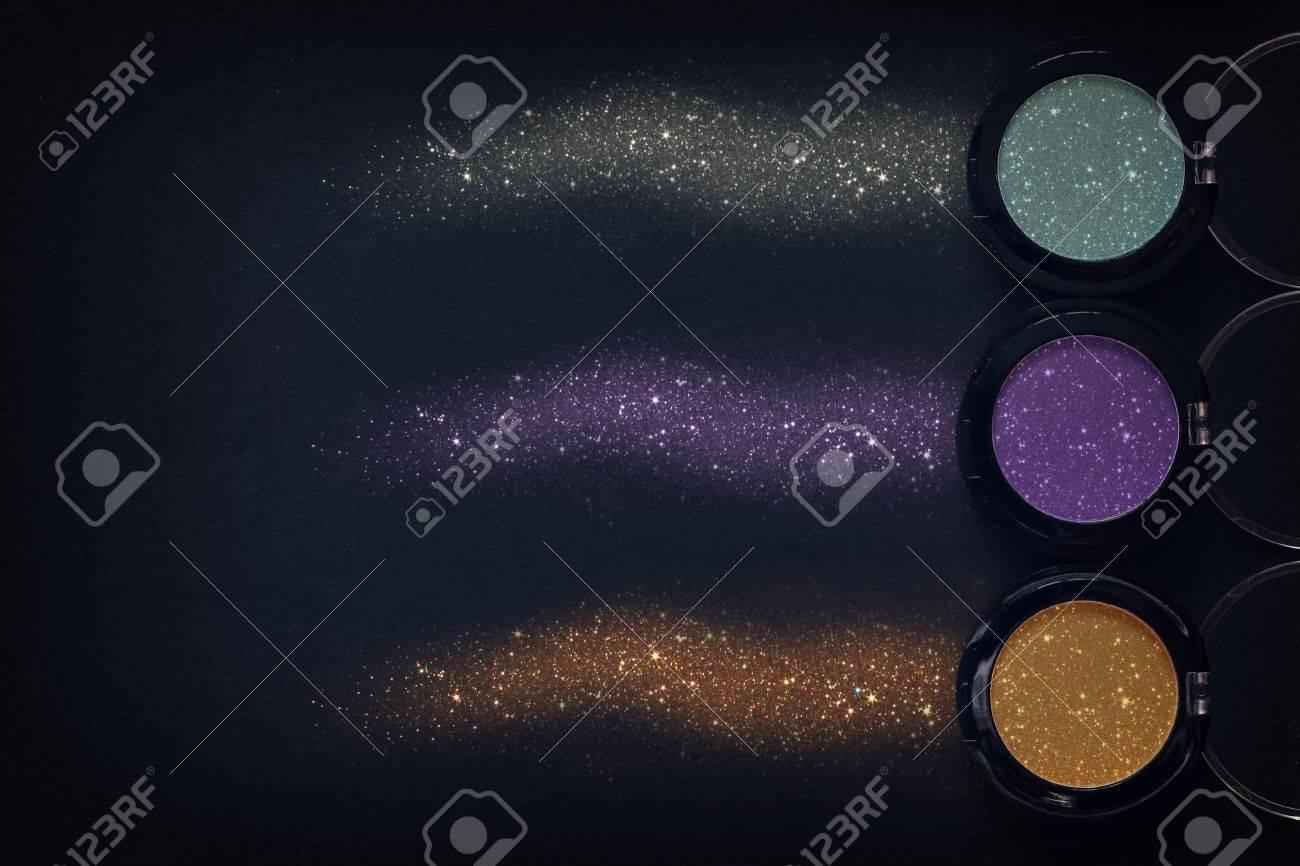 À De Paillettes Vue Paupières Et Maquillage Dessus Fard Ensemble OPZukiX