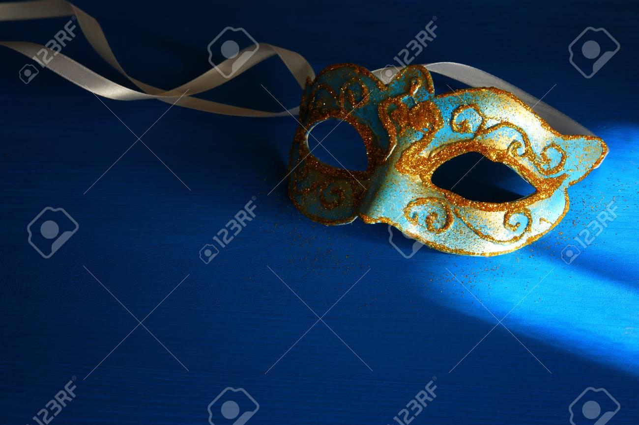 Immagini Stock Immagine Di Elegante Blu E Oro Veneziano Maschera