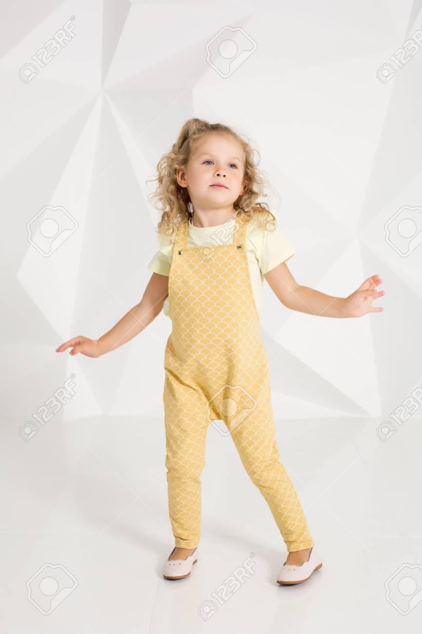 Cabello de amarillo a blanco