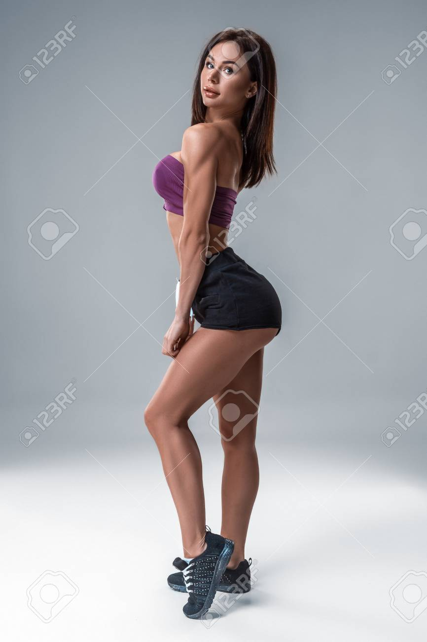 Big brunette booty