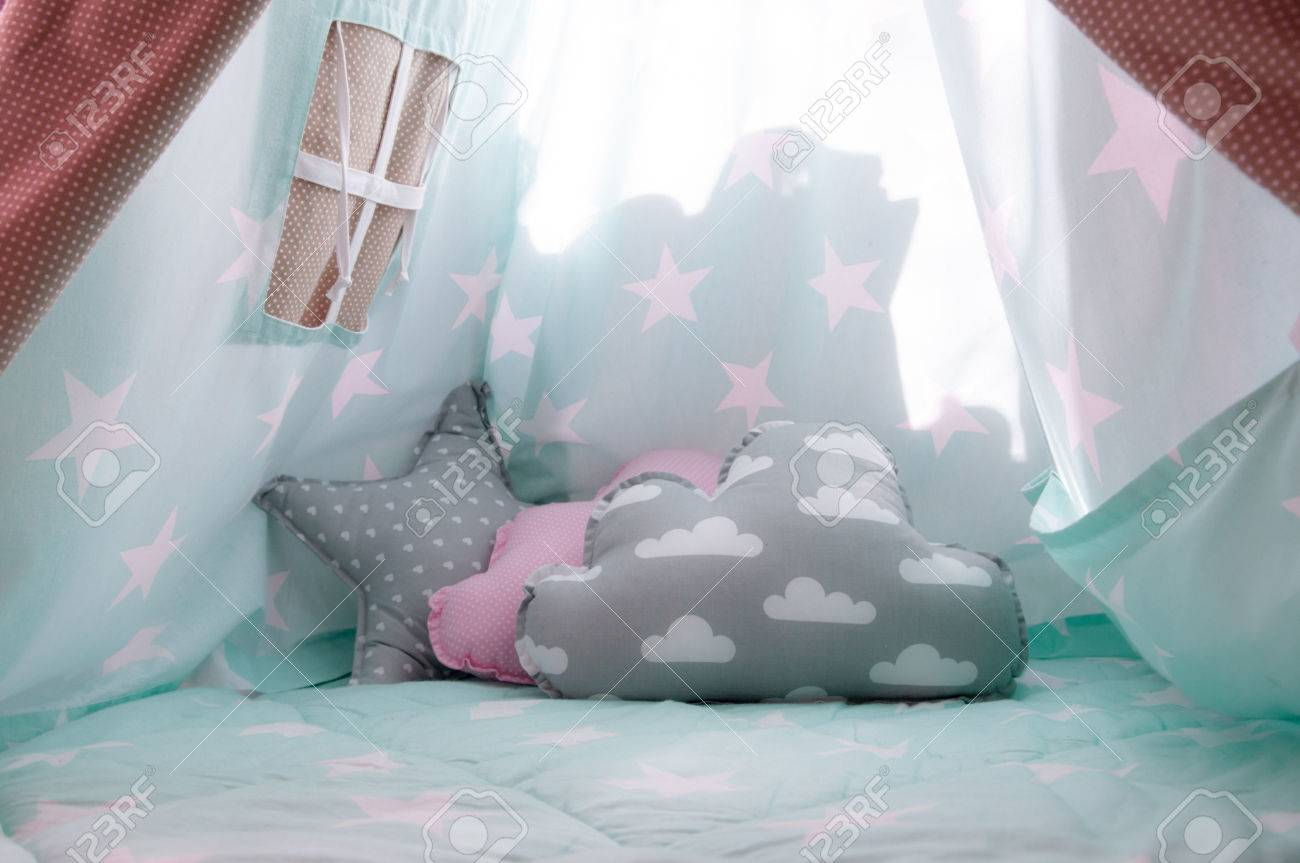 Interior of childs tent inside kids bedroom Stock Photo - 74277585 & Interior Of Childs Tent Inside Kids Bedroom Stock Photo Picture ...