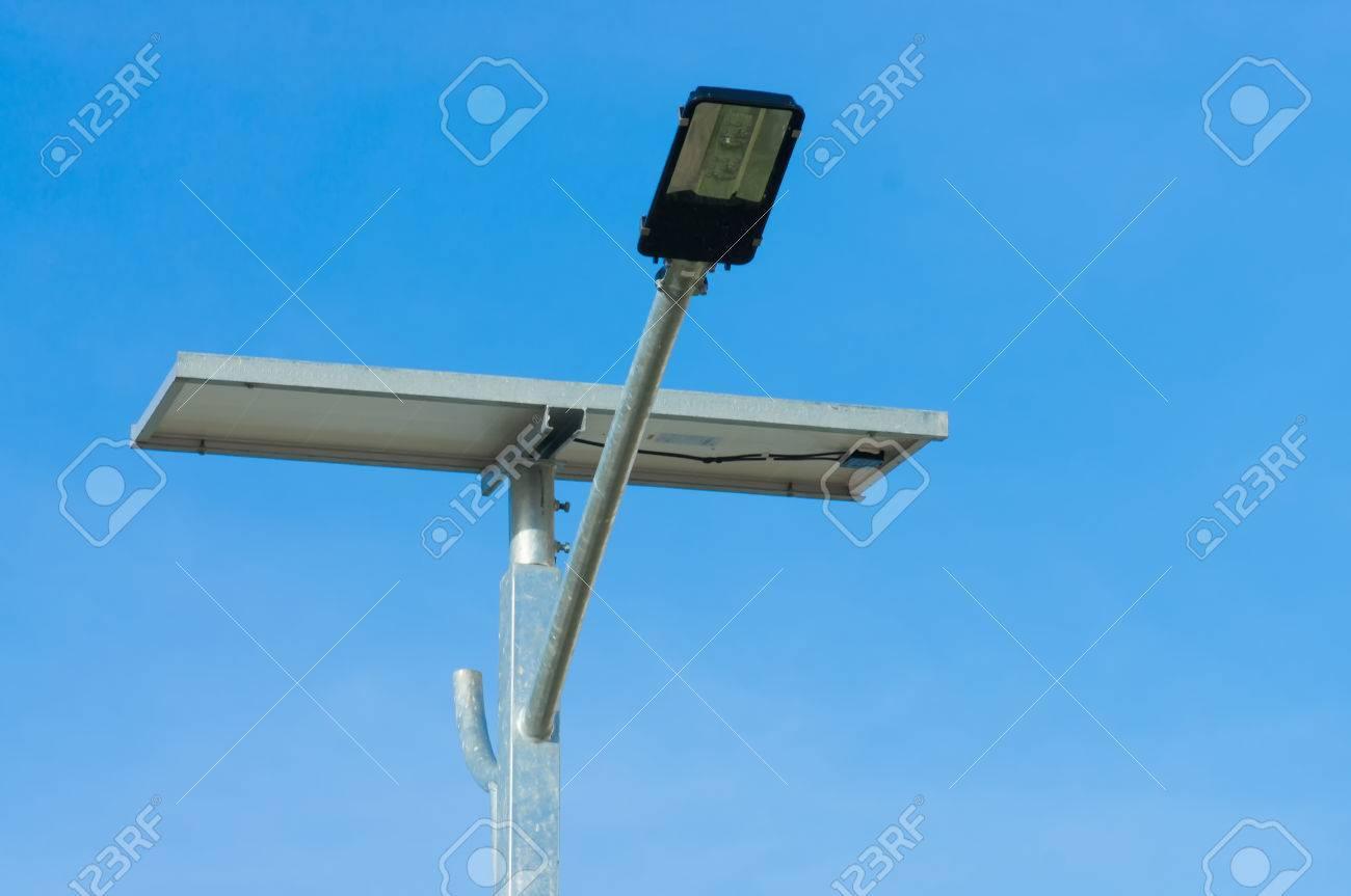Led Licht Schoenen : Led straßenlaterne mit solarzelle leistung mit schönen himmel