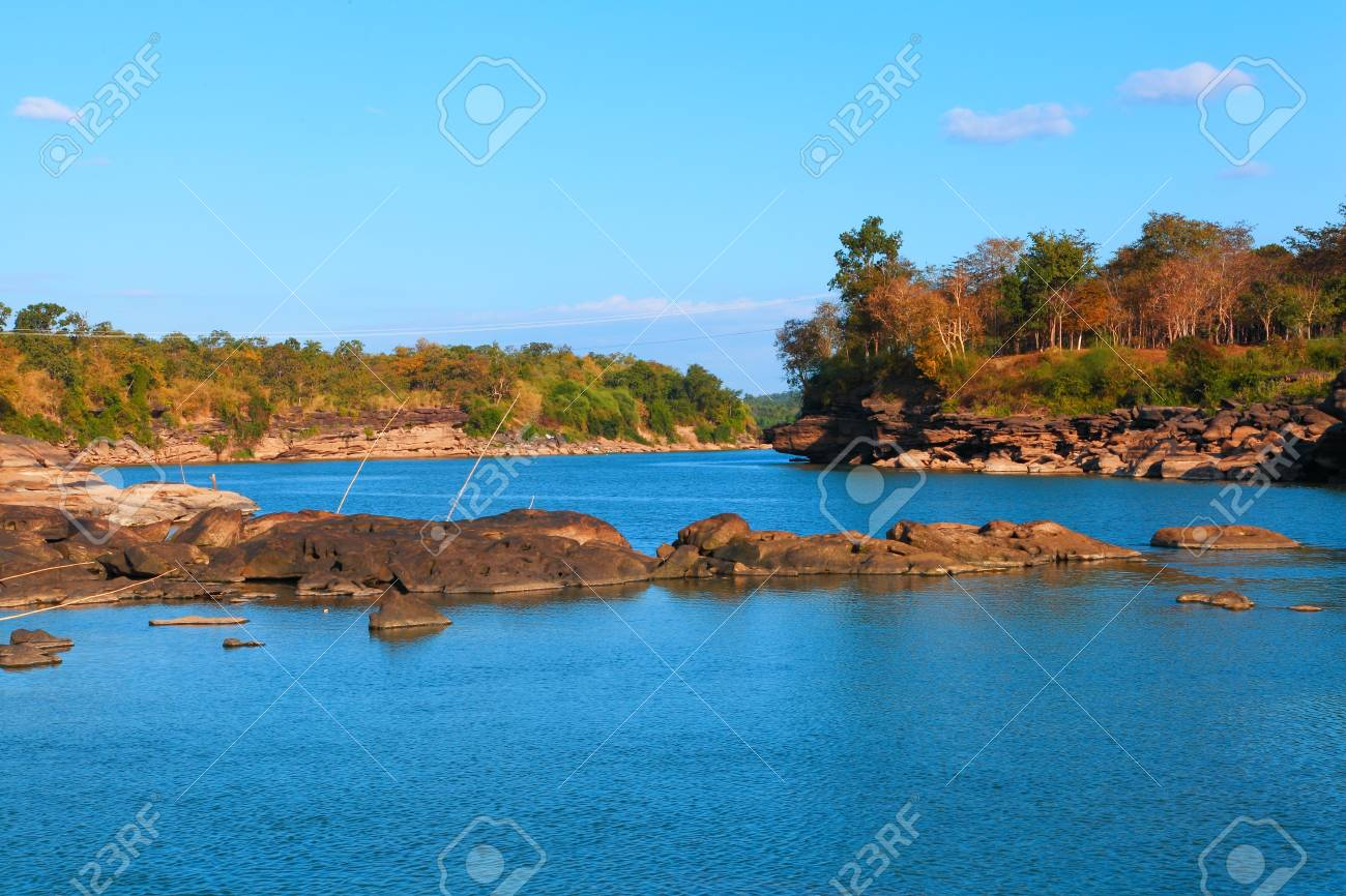 Coastal scenery in the country Stock Photo - 16856934