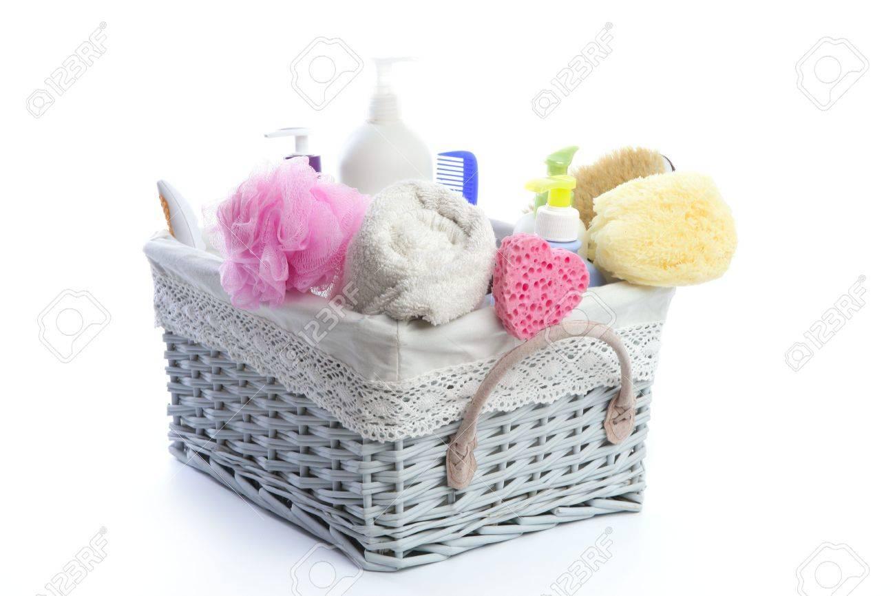 site réputé 2aa75 294cf Bath toiletries basket with shower gel shampoo sponge and towel