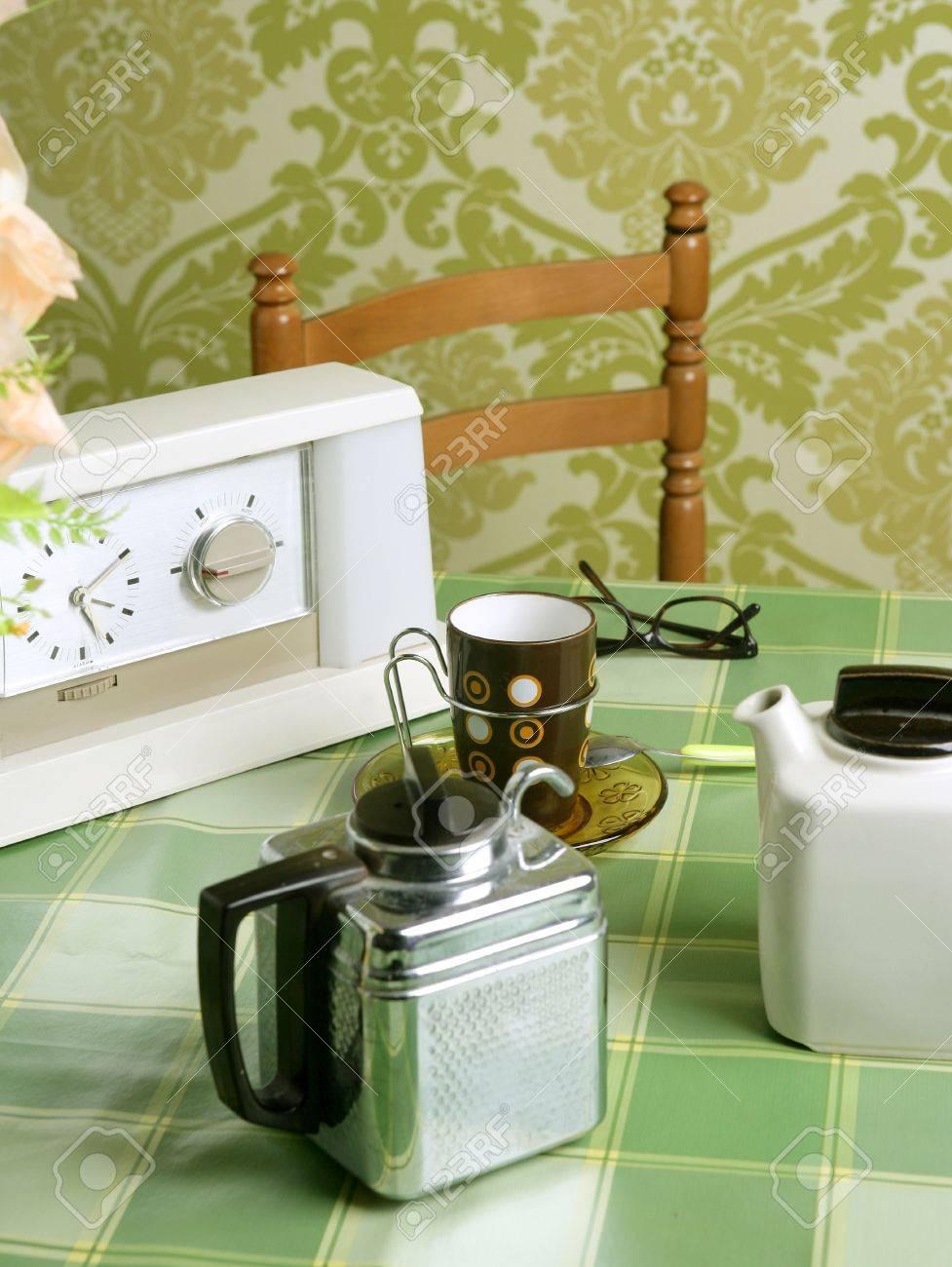 Cosecha De Papel Tapiz Verde De Mantel De Cafe Maquina Cocina