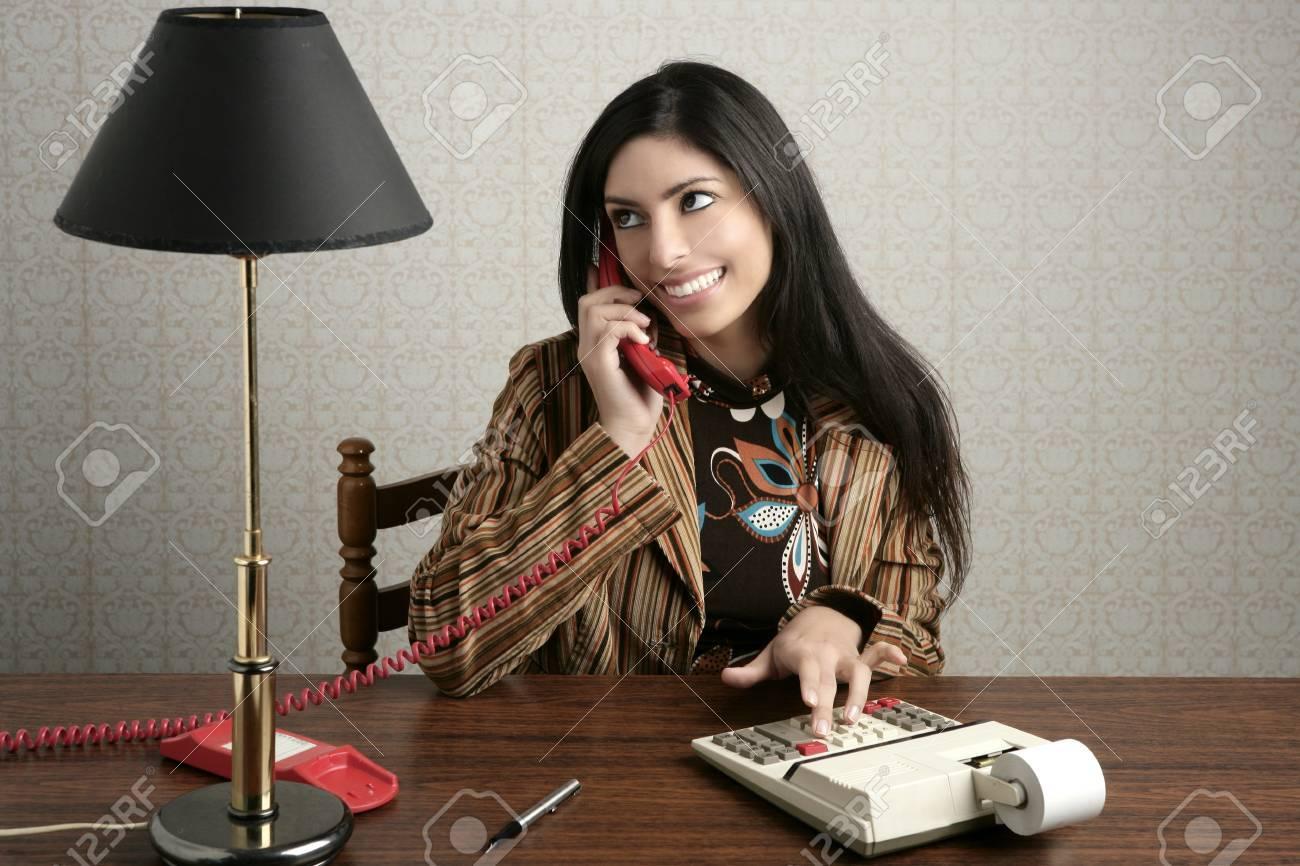 Ufficio Retro Hair : Ragioniere segretario retrò telefono parlando donna ufficio