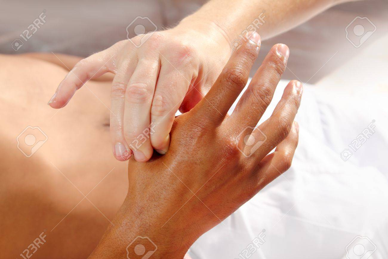 digital pressure hands reflexology massage tuina therapy physiotherapy Stock Photo - 9142561