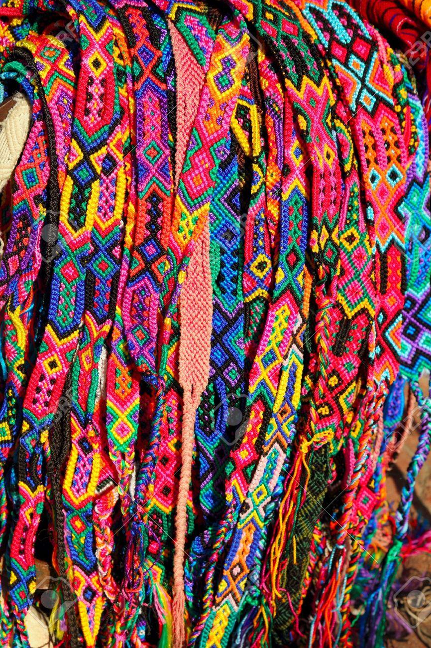 2070e88d2d20 Foto de archivo - Pulseras y coloridos cinturones de artesanías de Chiapas  México