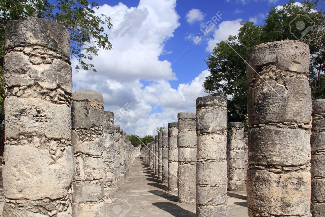 Mayan Chichen Itza Mexico thousand columns temple in Yucatan Stock Photo - 10438318