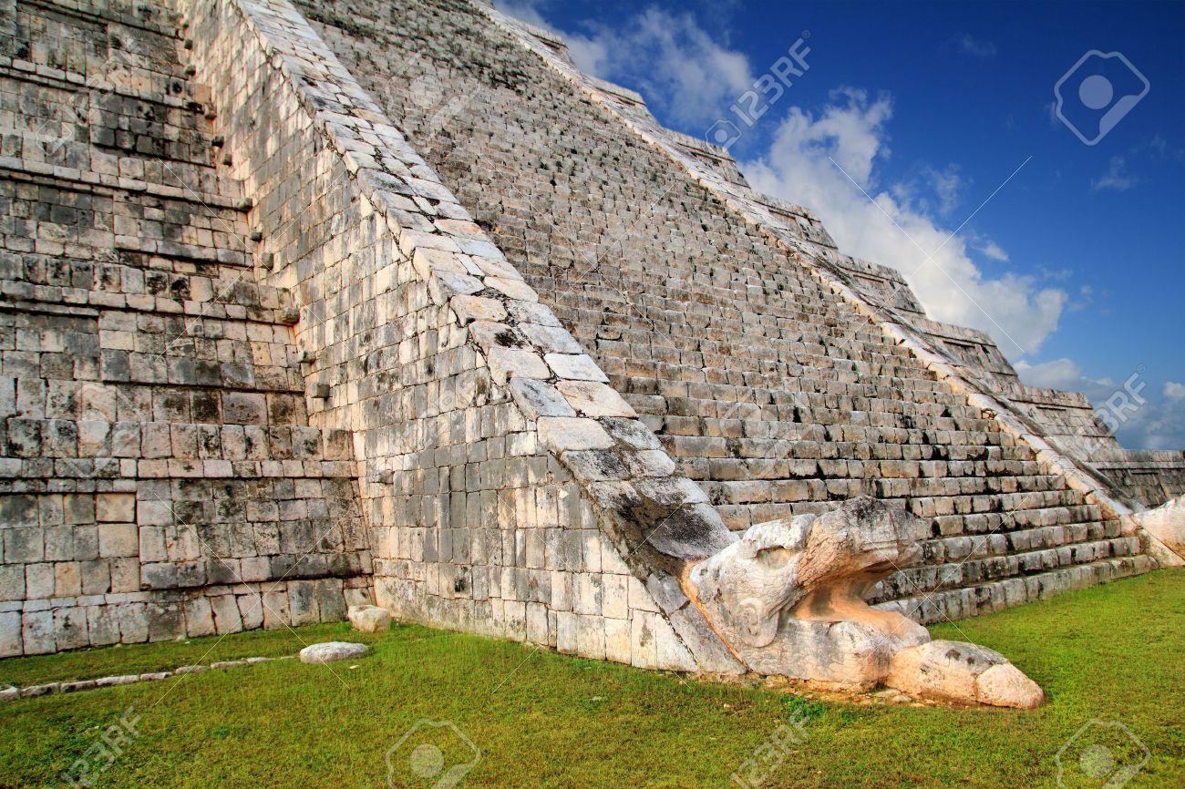 Kukulcan serpent snake El Castillo Mayan Chichen Itza pyramid Mexico Yucatan Stock Photo - 10438391