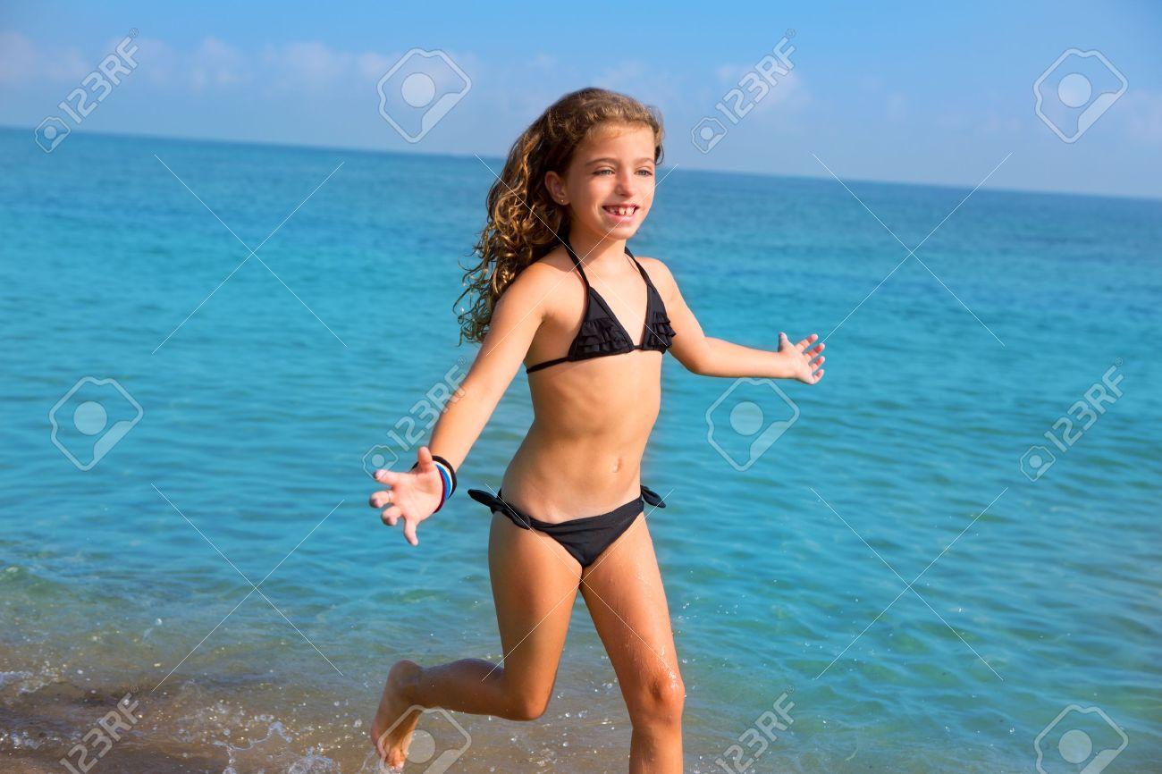 Фото маленькие девочки в бикини 19 фотография