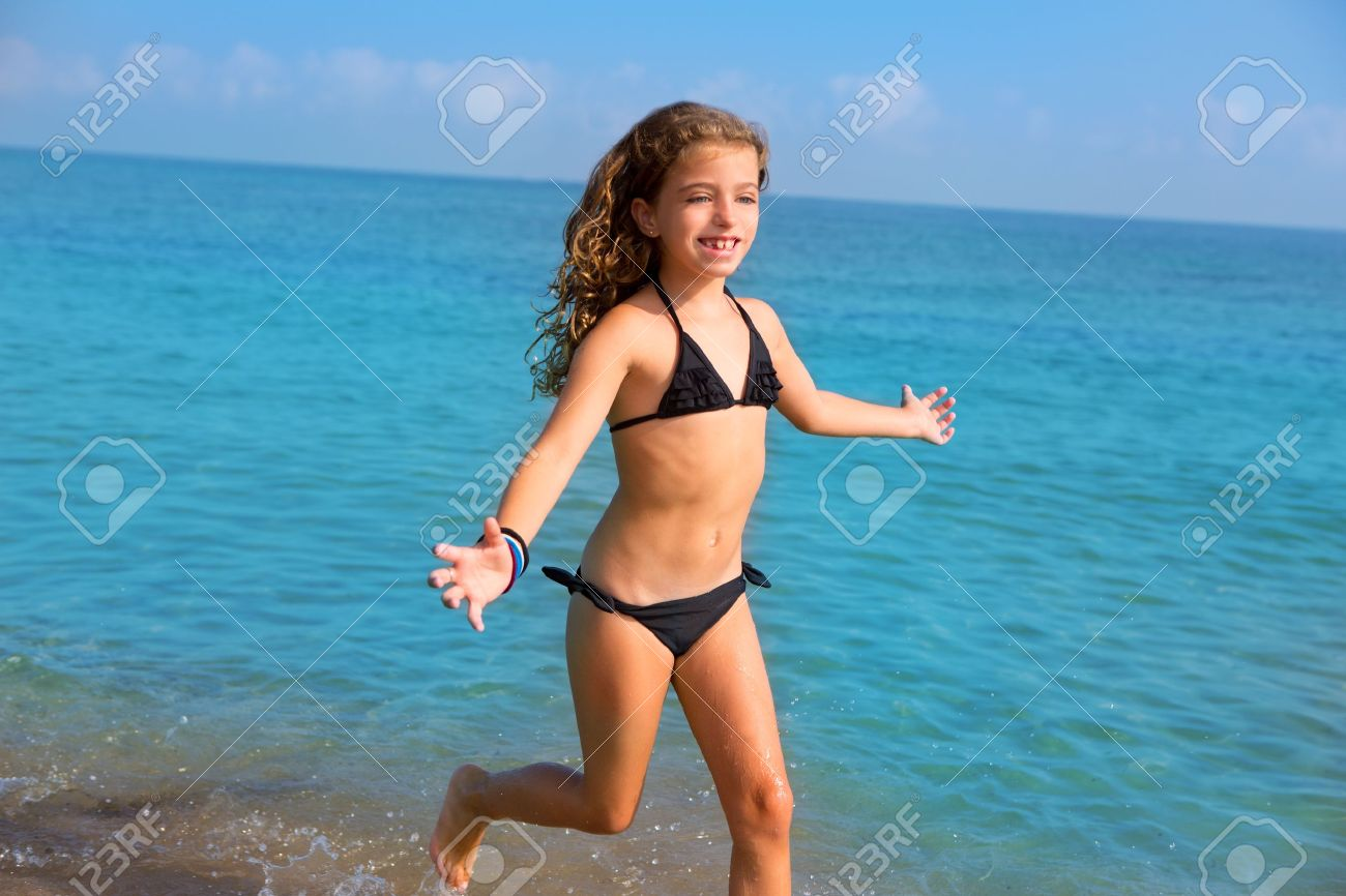 Kid beach pic 89