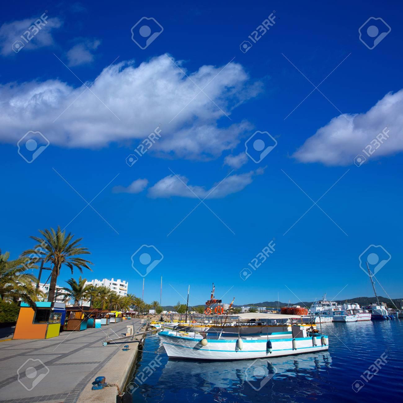Ibiza San Antonio Abad De Portmany Puerto Deportivo De Las Islas Baleares De España Fotos Retratos Imágenes Y Fotografía De Archivo Libres De Derecho Image 22717663
