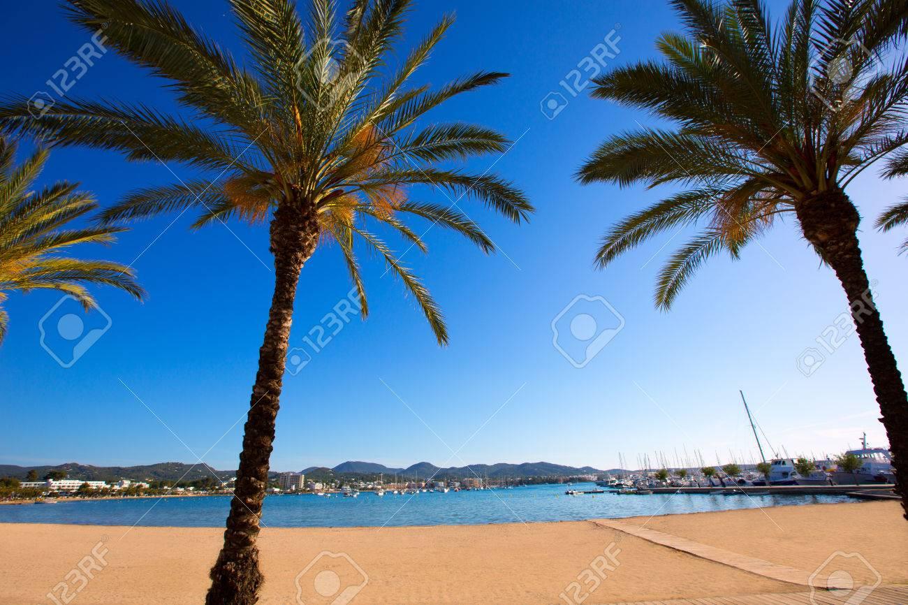 Ibiza San Antonio Abad De Portmany Playa En Islas Baleares De España Fotos Retratos Imágenes Y Fotografía De Archivo Libres De Derecho Image 22717638