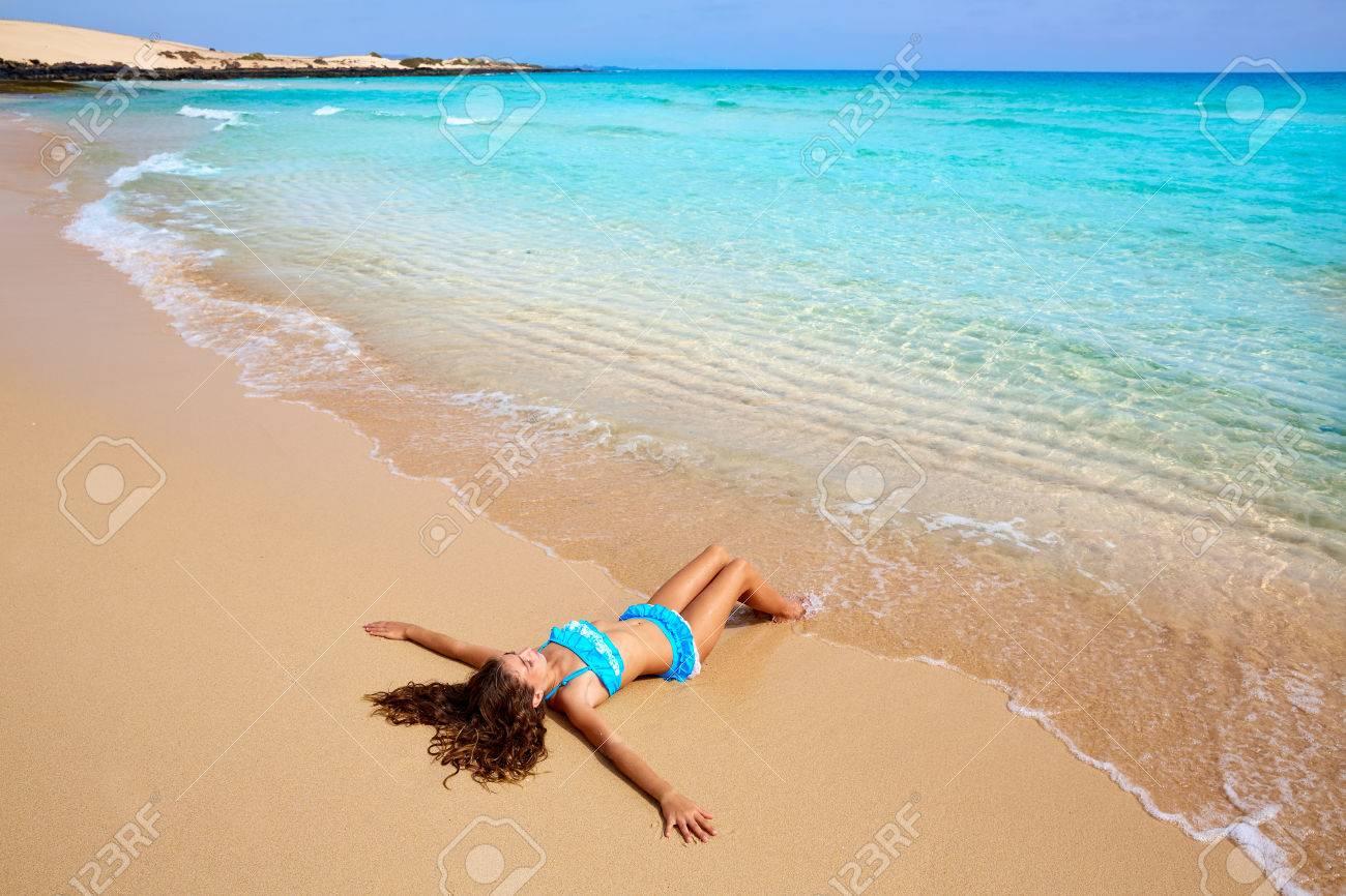 Mädchen Am Strand Fuerteventura In Kanarischen Inseln Spanien