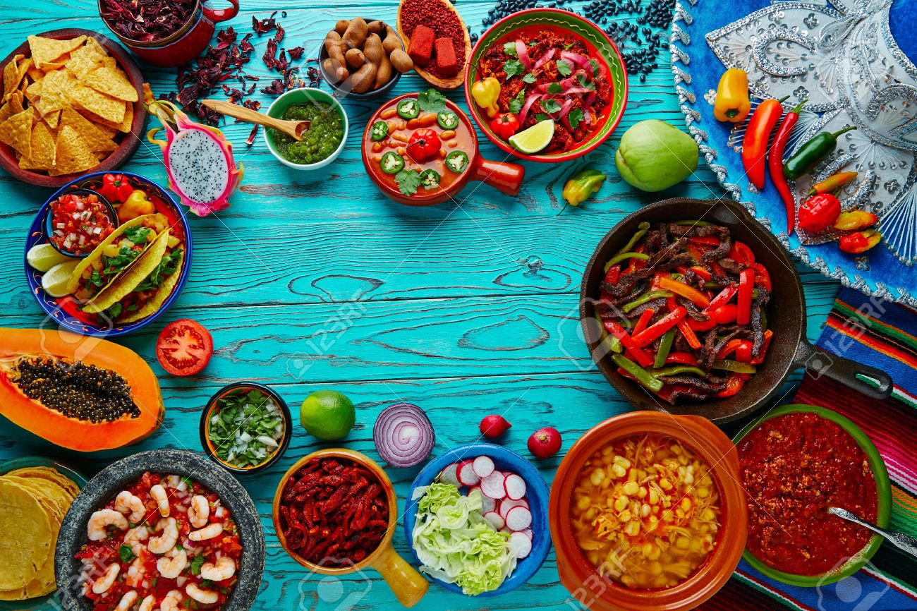 Mexican food mix copyspace frame colorful background Mexico Banque d'images - 51858294