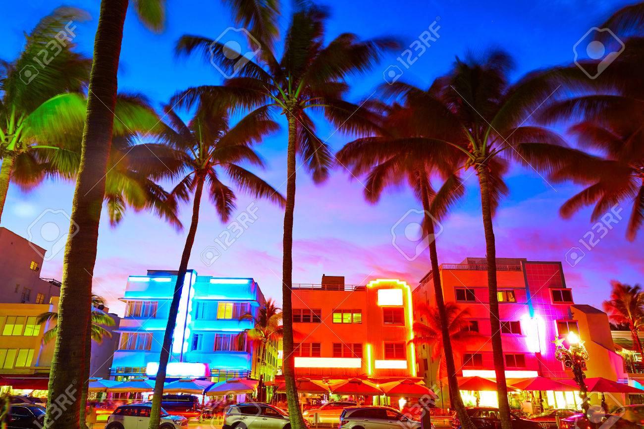 Miami Beach South Beach coucher du soleil dans Ocean Drive Florida Art Deco Banque d'images - 60127755
