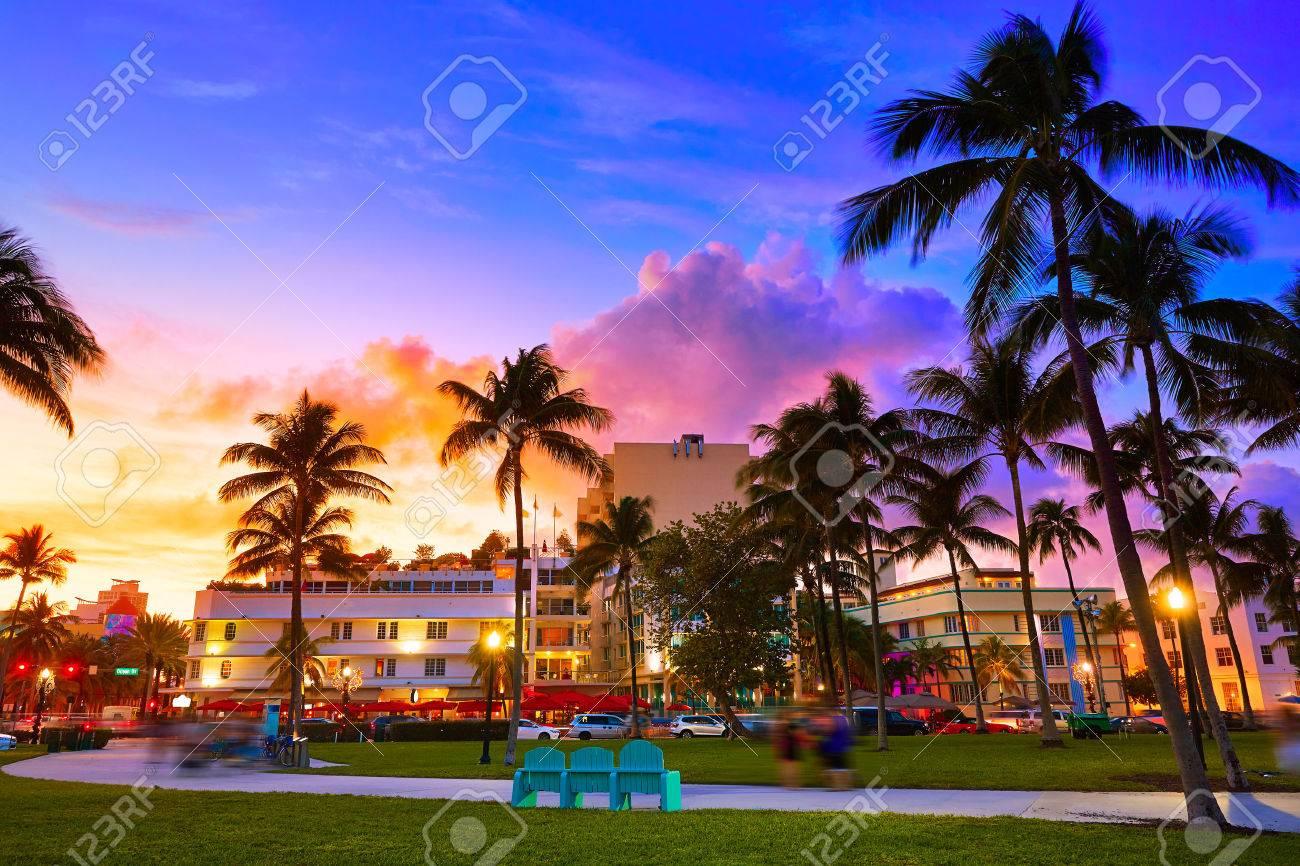 Miami Beach South Beach coucher du soleil dans Ocean Drive Florida Art Deco Banque d'images - 60127797