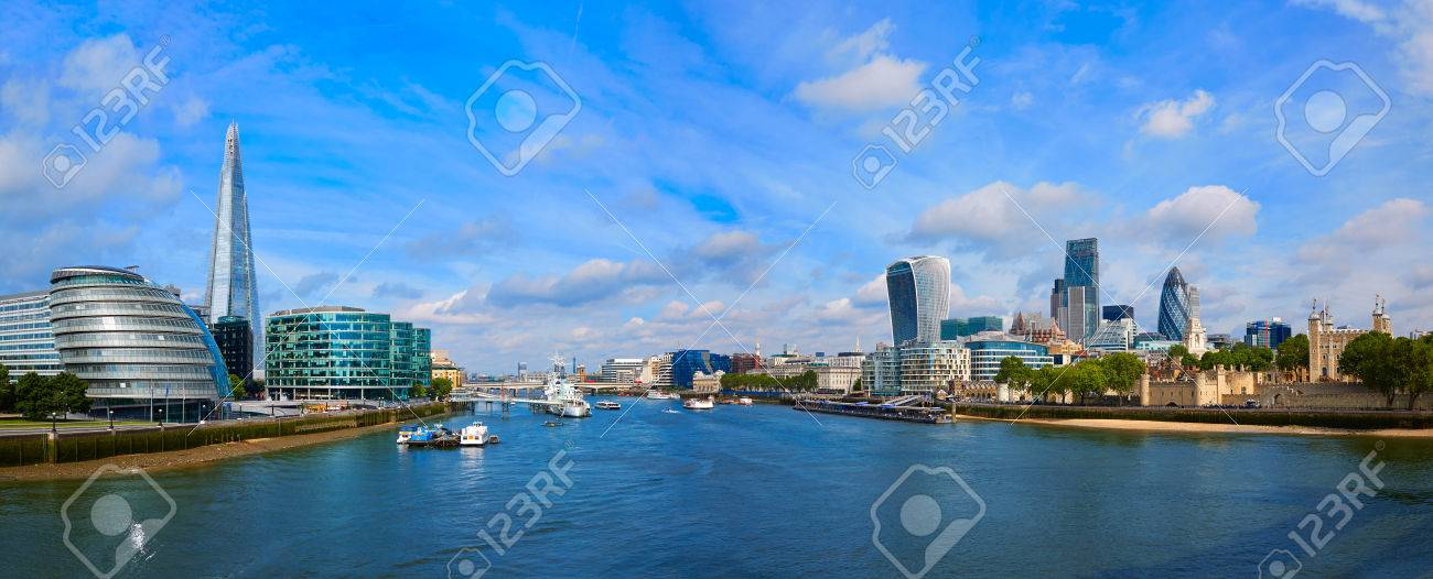 London skyline sunset with City Hall and financial on Thames river - 71324859