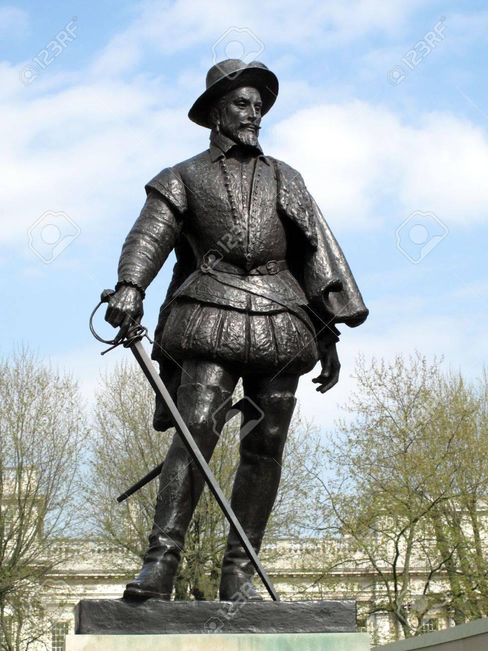 ウォルター ・ ローリー卿 1552年-1618年だったエリザベス 11 人の有名 ...