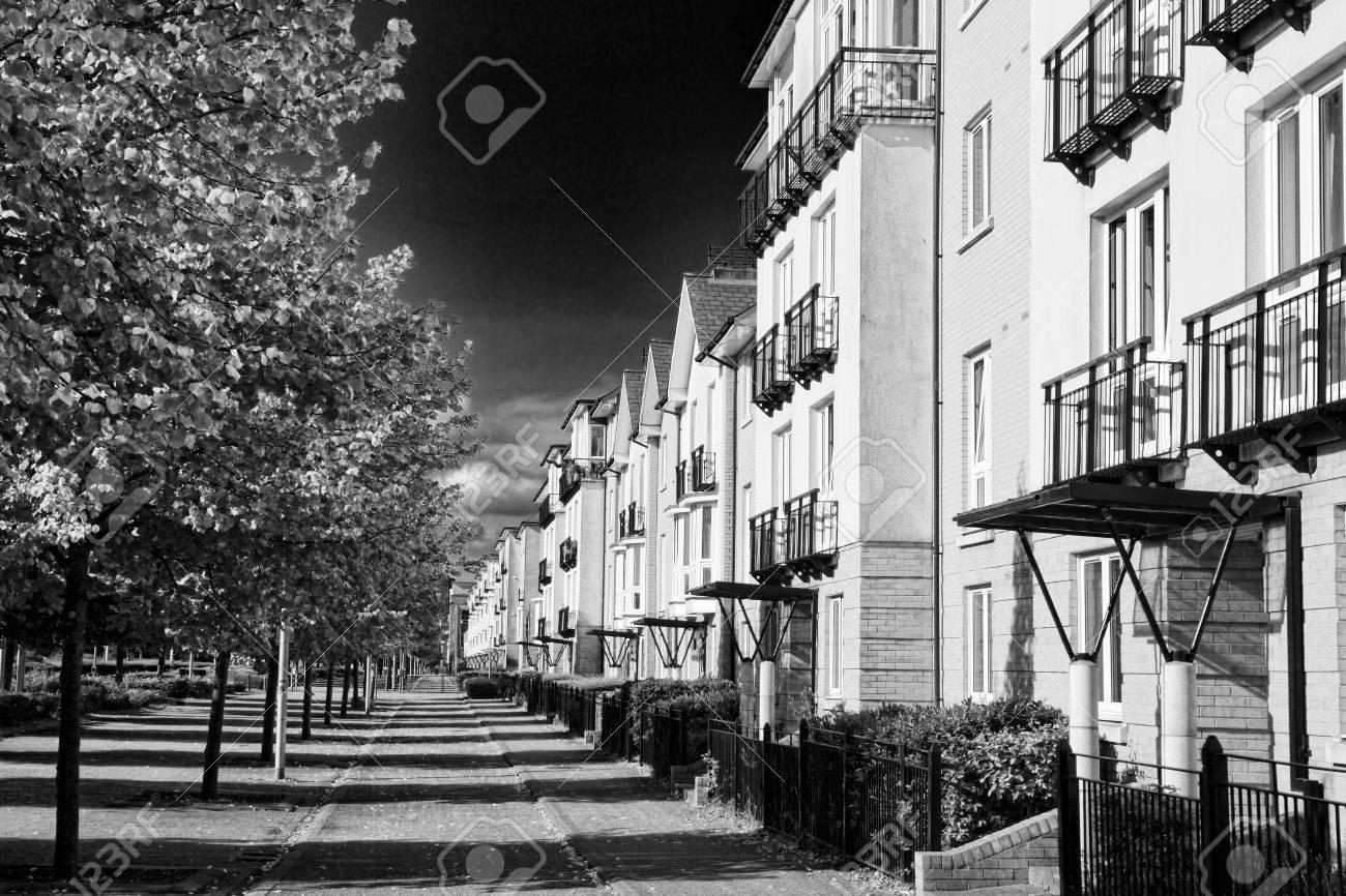 Zwart Wit Appartement : Moderne nieuwe rijtjeshuizen en appartementen in cardiff wales