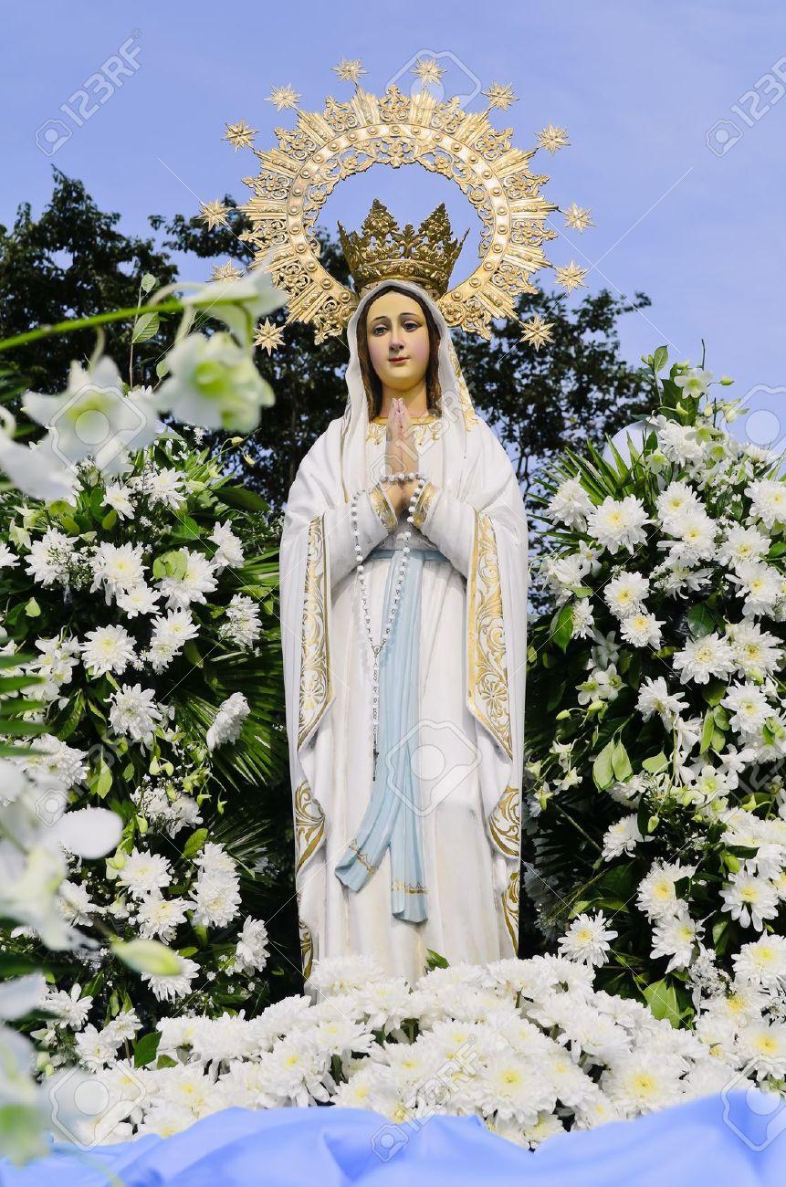 Statue De La Sainte Vierge Marie Mère De Dieu