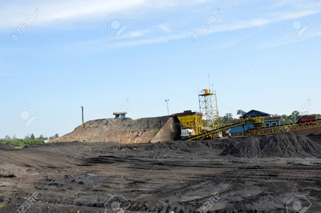 the view on coal mining Stock Photo - 19134995