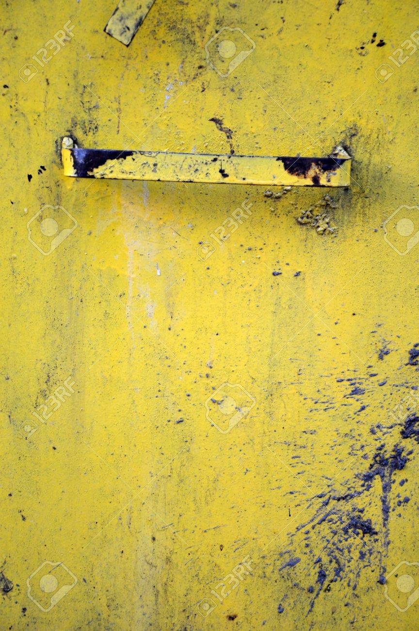 detail textures of rusty old yellow metal plate Stock Photo - 20944468