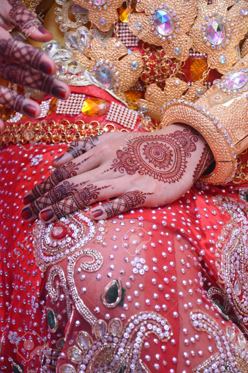 Henna On Hands Of Buginese Indonesian Wedding Bride Stock Photo