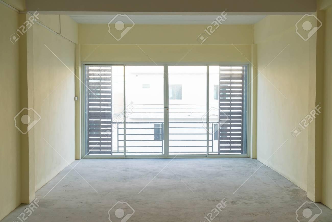 Leere Glastur Im Wohnzimmer Innenraum Hintergrund Lizenzfreie Fotos