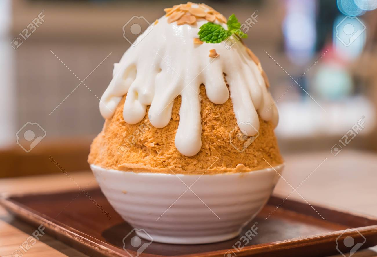 Milk Tea Bingsu Korean Dessert Stock Photo Picture And Royalty