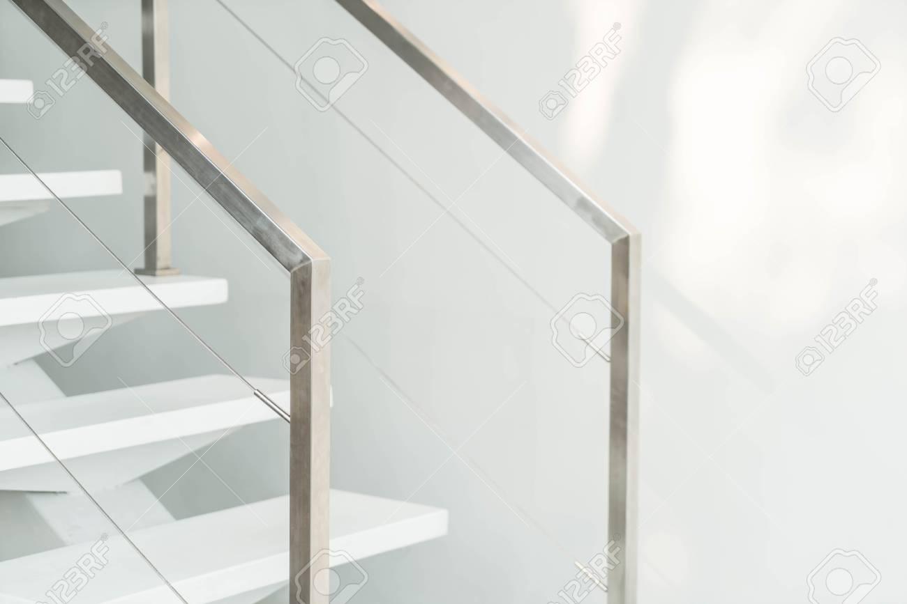 Schöne Luxus Treppe Innendekoration Zu Hause Lizenzfreie Fotos ...