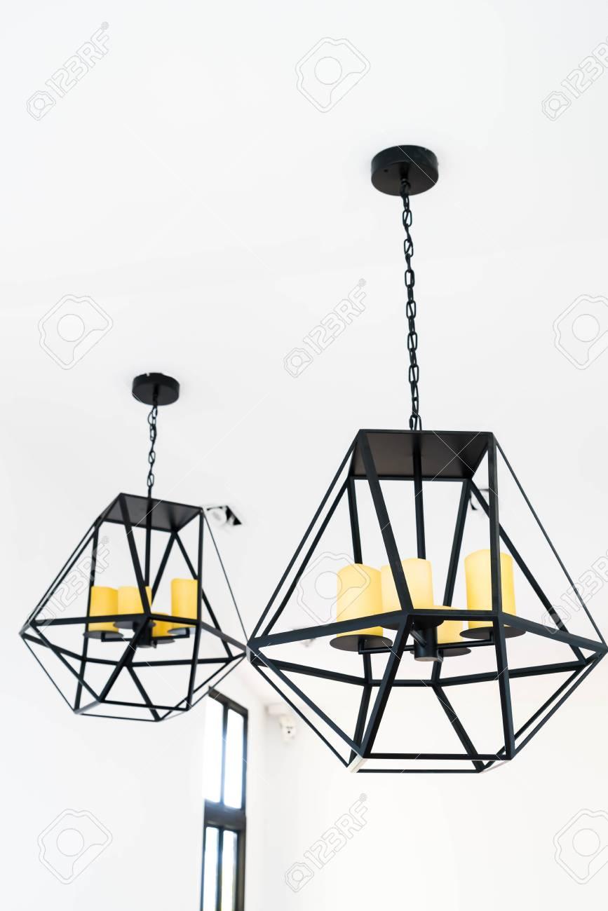 Moderne Hängende Lampe Dekoration Zu Hause Lizenzfreie Fotos, Bilder ...