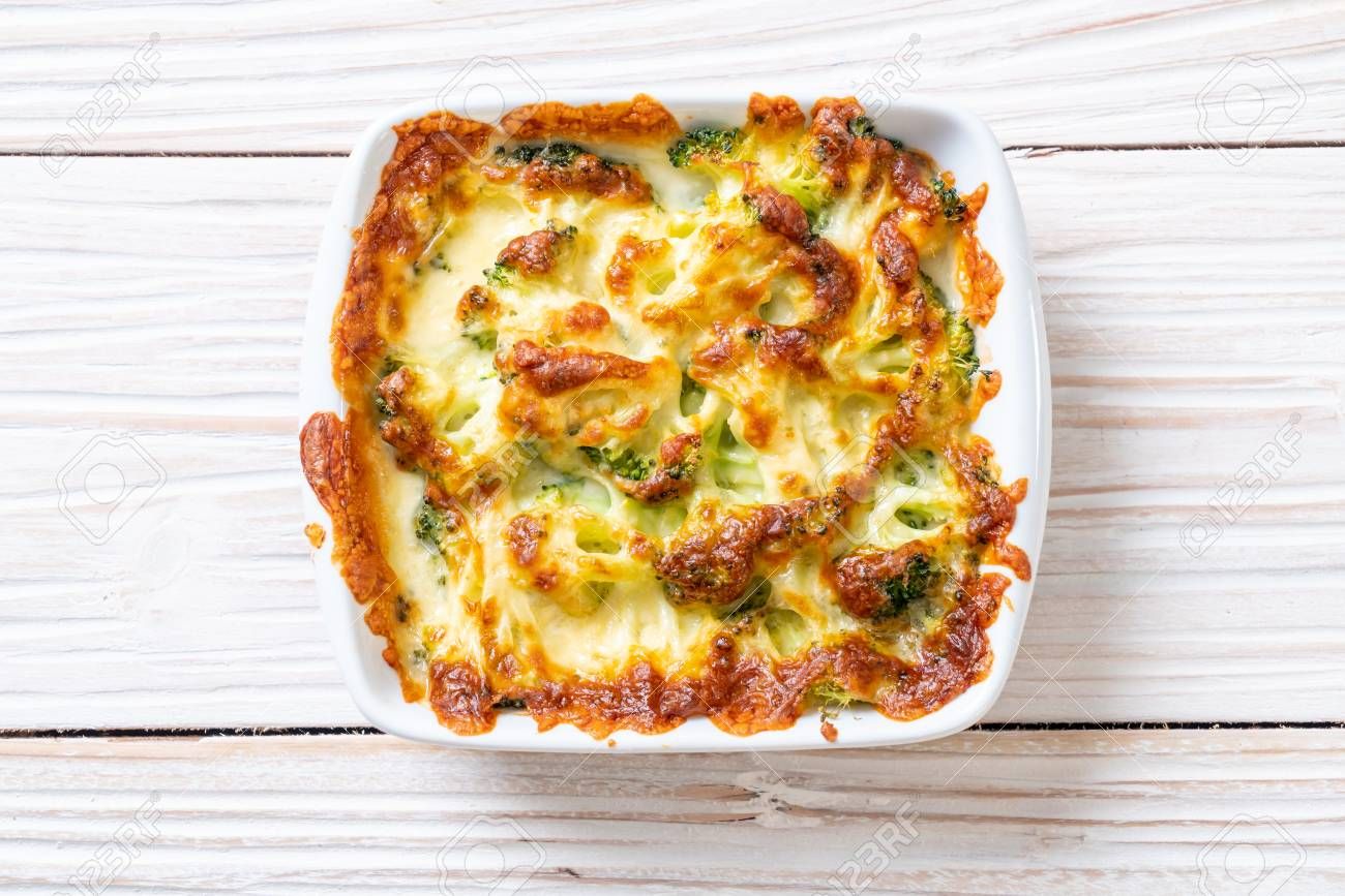 baked cauliflower and broccoli gratin with cheese - 111780920