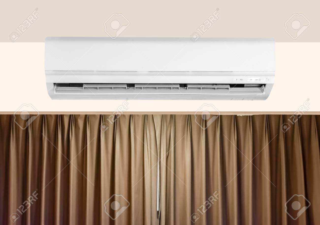 Moderne Klimaanlage Einheit Auf Dem Schlafzimmer Mit Kopie Raum ...