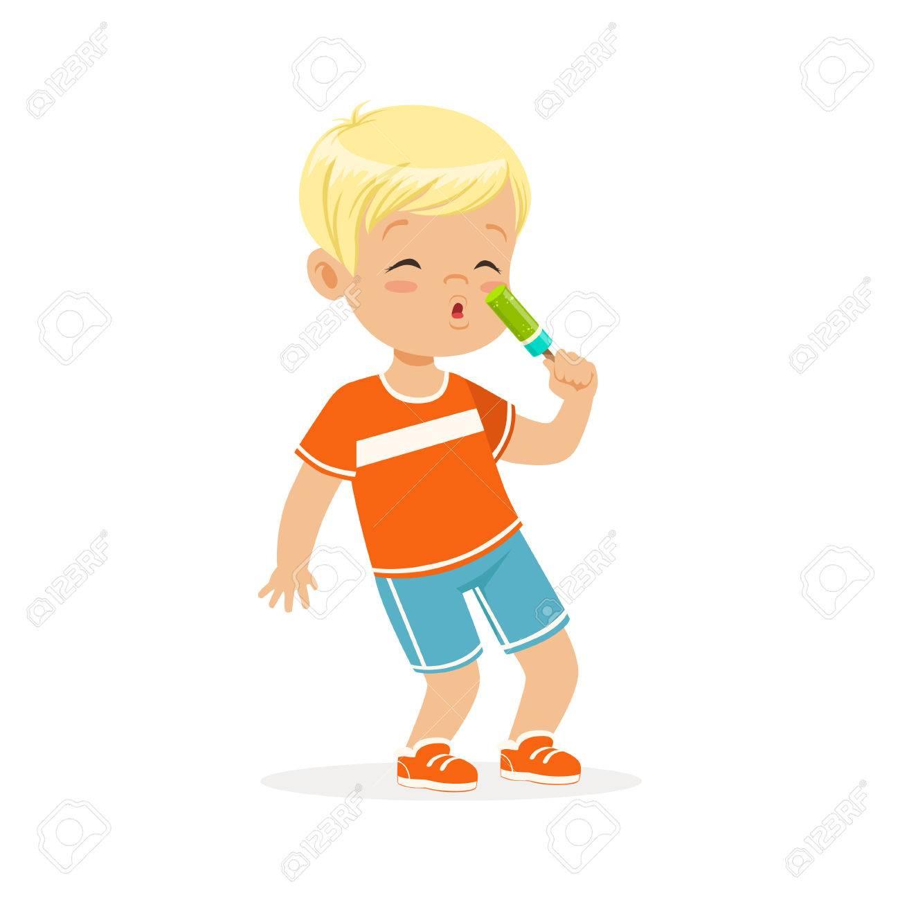 Caractère Mignon Petit Garçon Blond Manger Des Vecteur De Dessin Animé De Crème Glacée