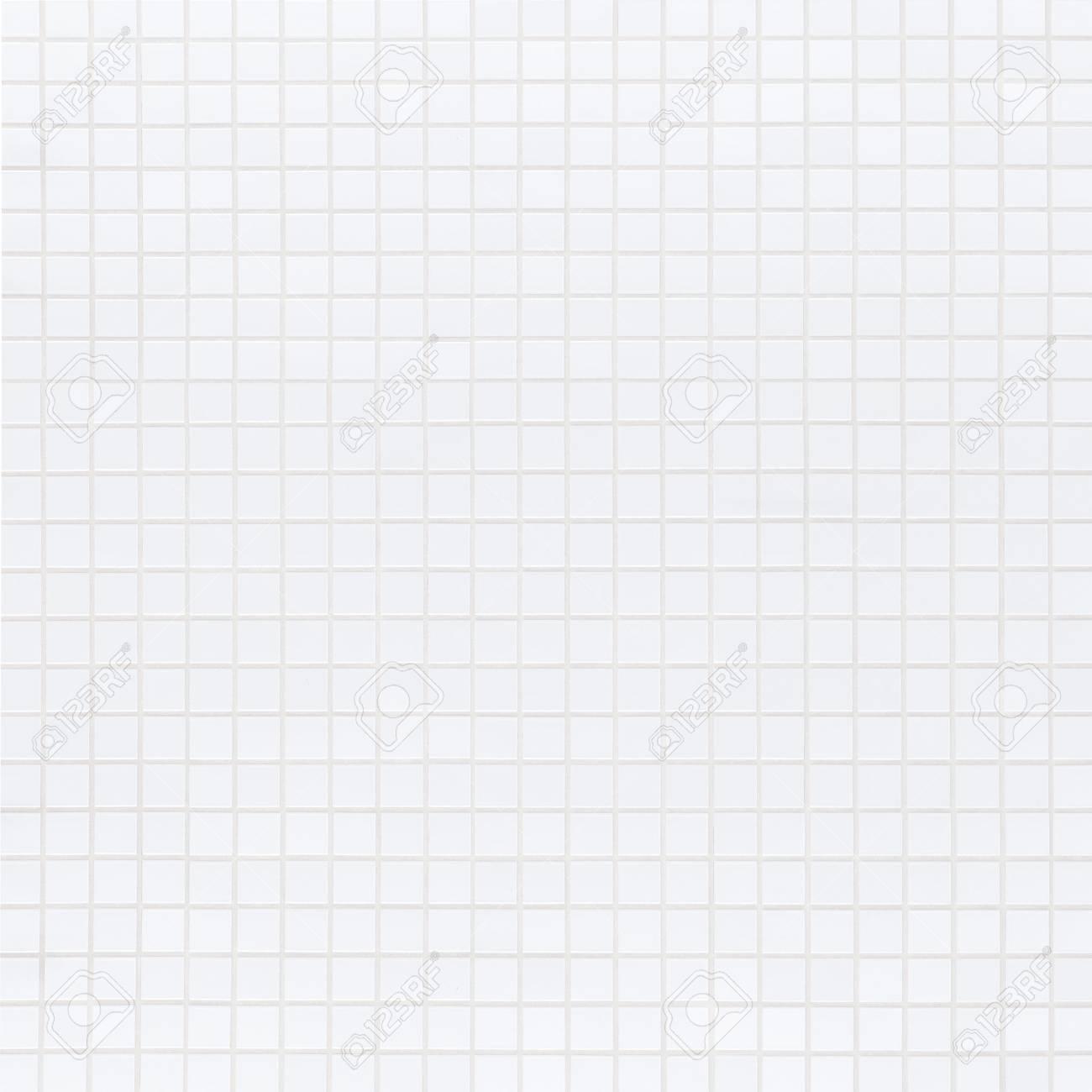 New modern white brick wall seamless background and pattern - 47560968