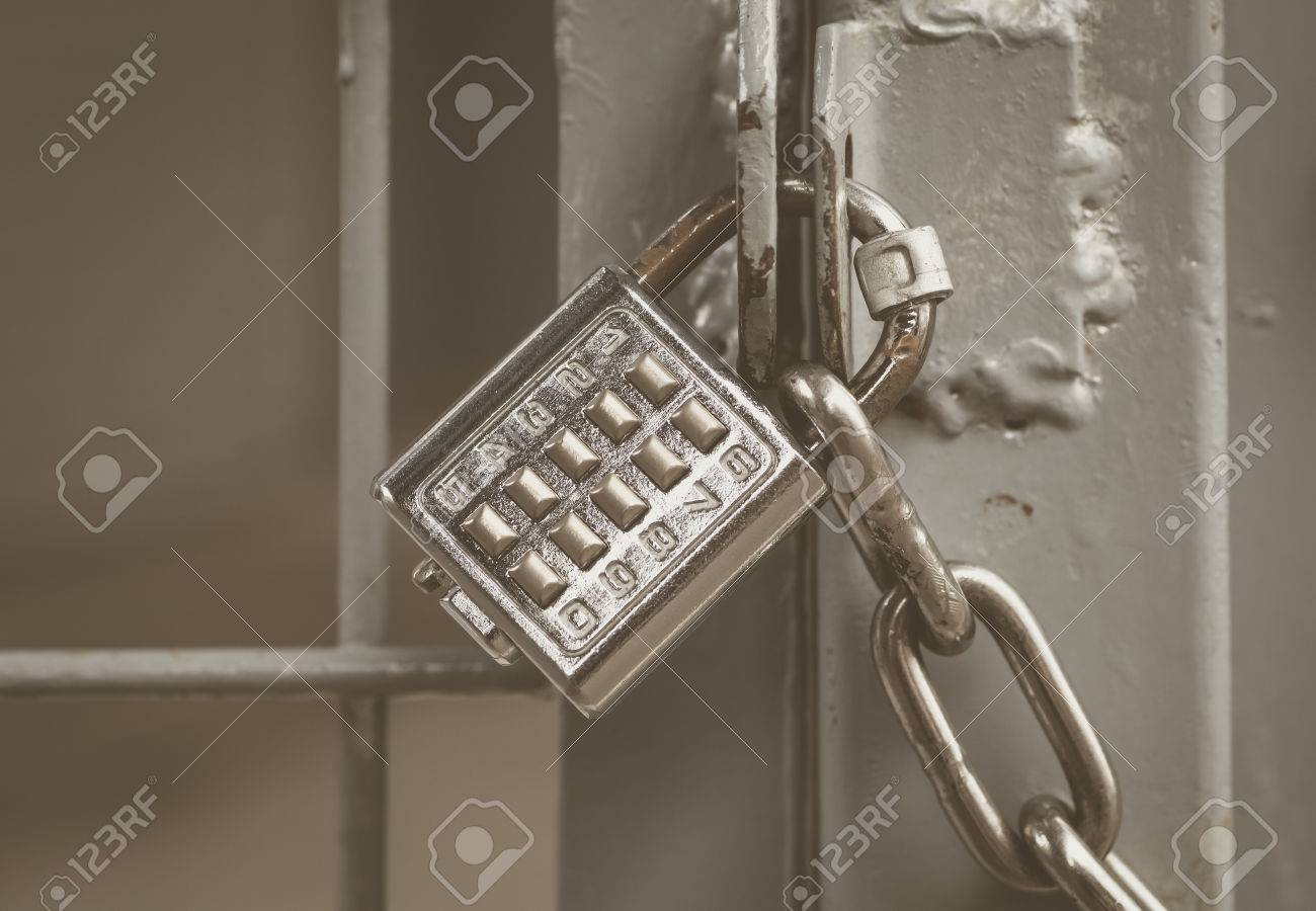 Metal padlock and pin keypad with numbers on metal door Stock Photo - 49055646 & Metal Padlock And Pin Keypad With Numbers On Metal Door Stock ... Pezcame.Com