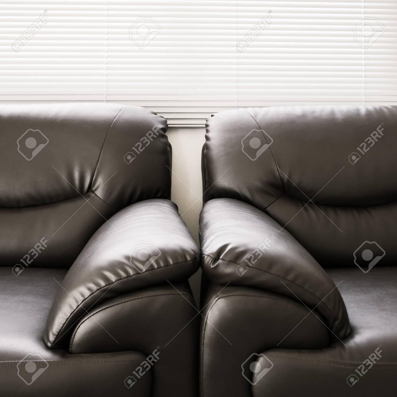 Sofa Leder Schwarz Möbel Im Wohnzimmer Lizenzfreie Fotos Bilder Und