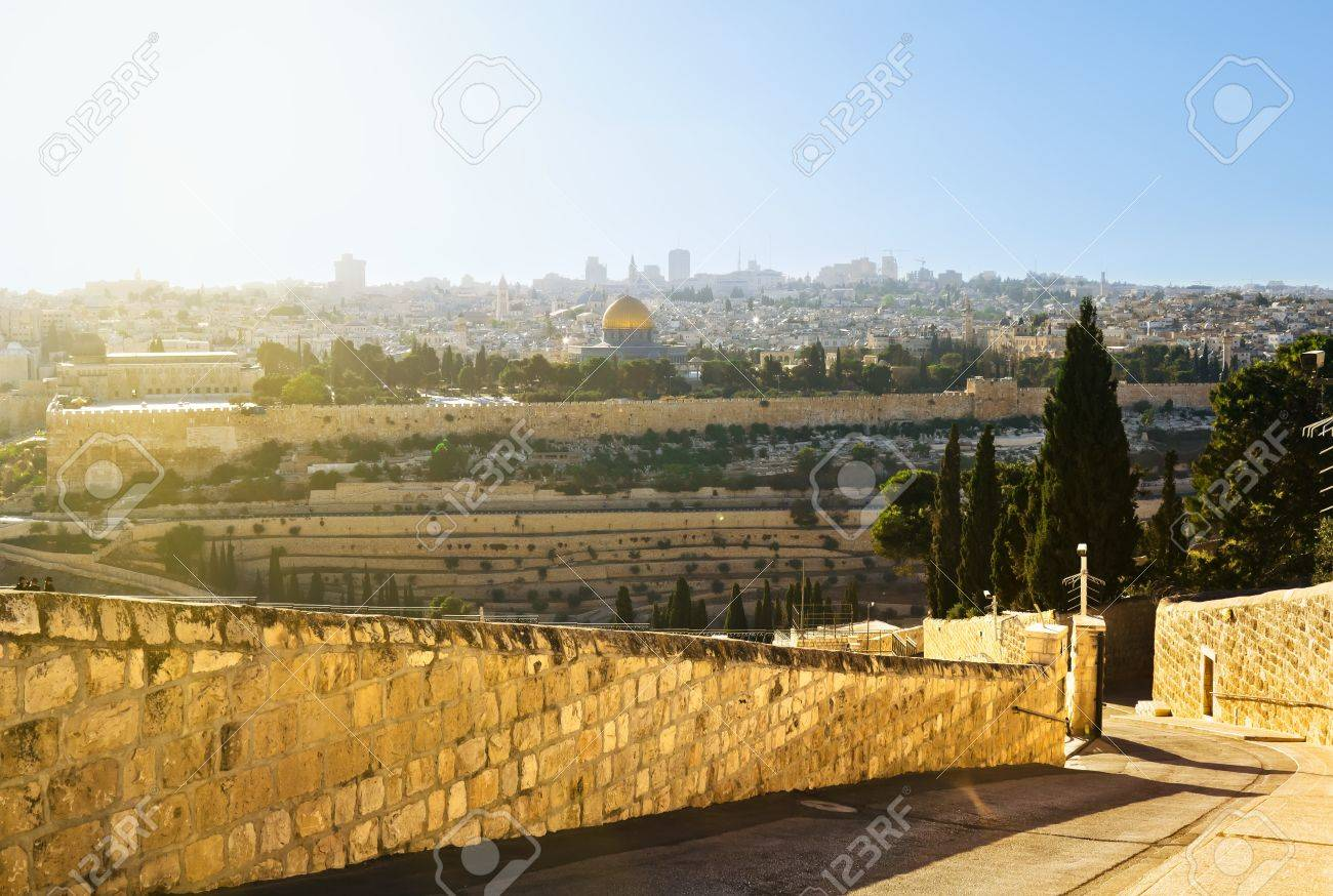 Mosque of Caliph Omar  dome of the rock   in Jerusalem   View from the mount of Olives Stock Photo - 16434975