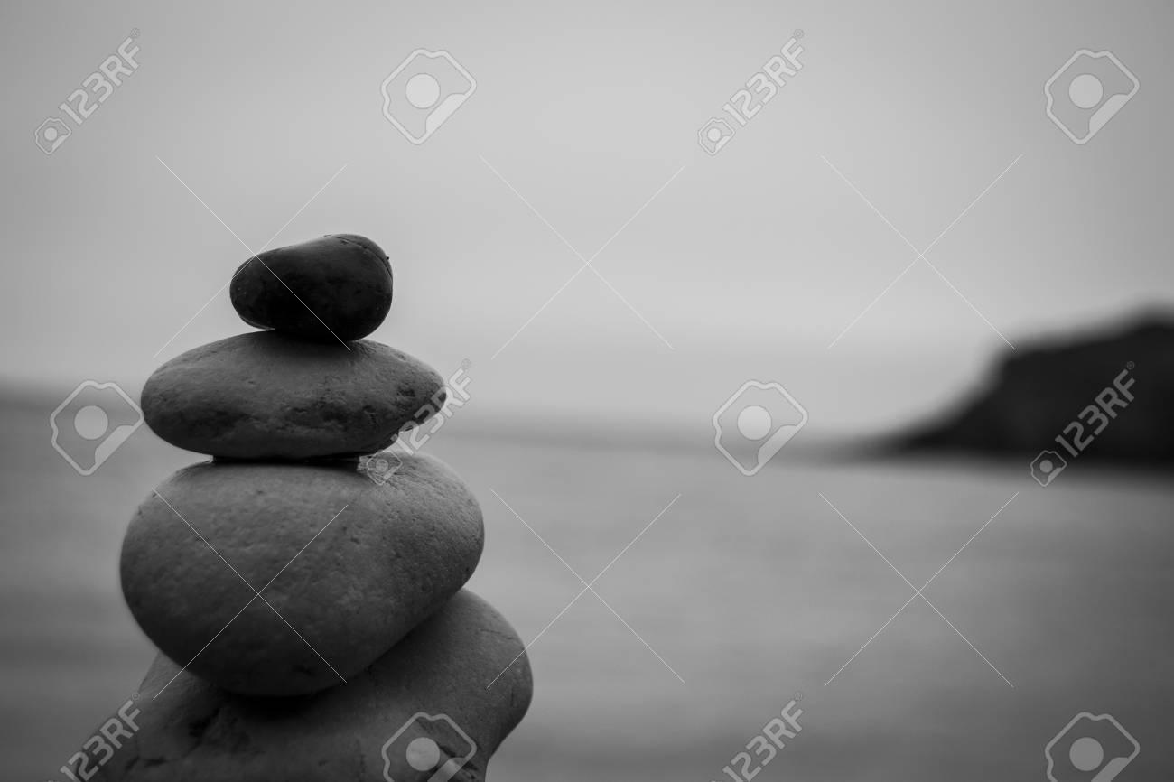 Incroyable Banque Du0027images   Pebbles Par La Mer Dans Un équilibre Parfait