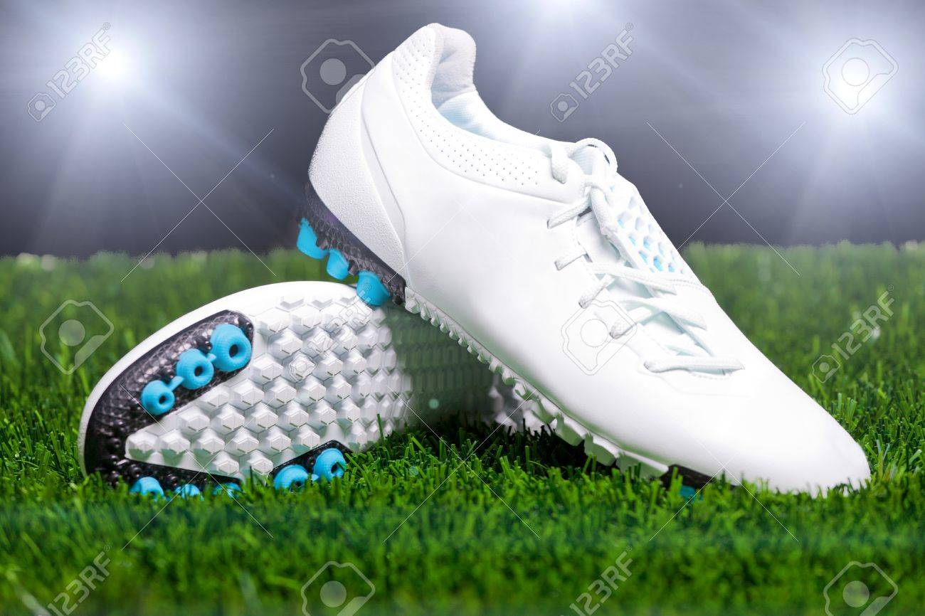 [Изображение: 10763438-Football-boots-on-the-grass-Stock-Photo.jpg]