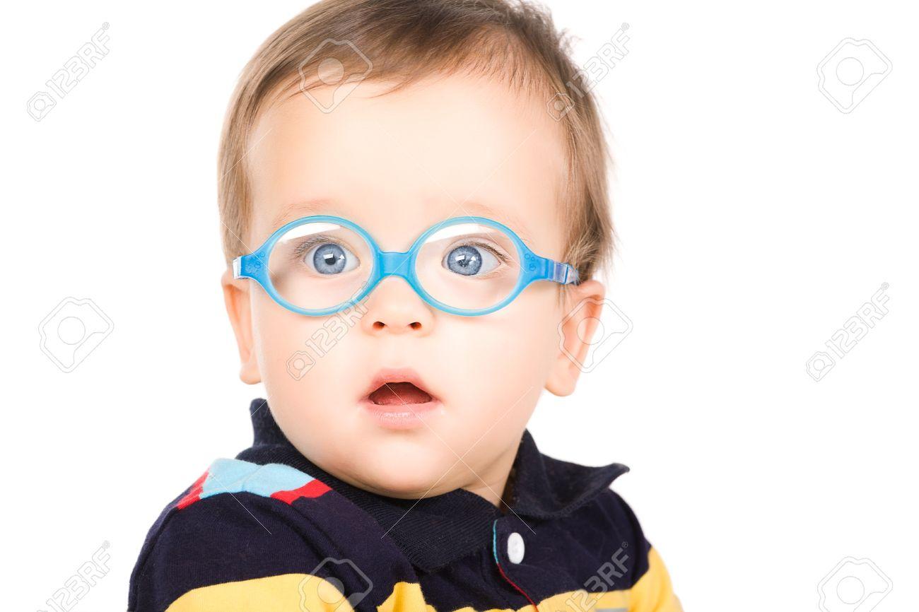 Niño con gafas fotos retratos imágenes fotografía de archivo jpg 1300x866  Nino con lentes 83ec9d1d2e30