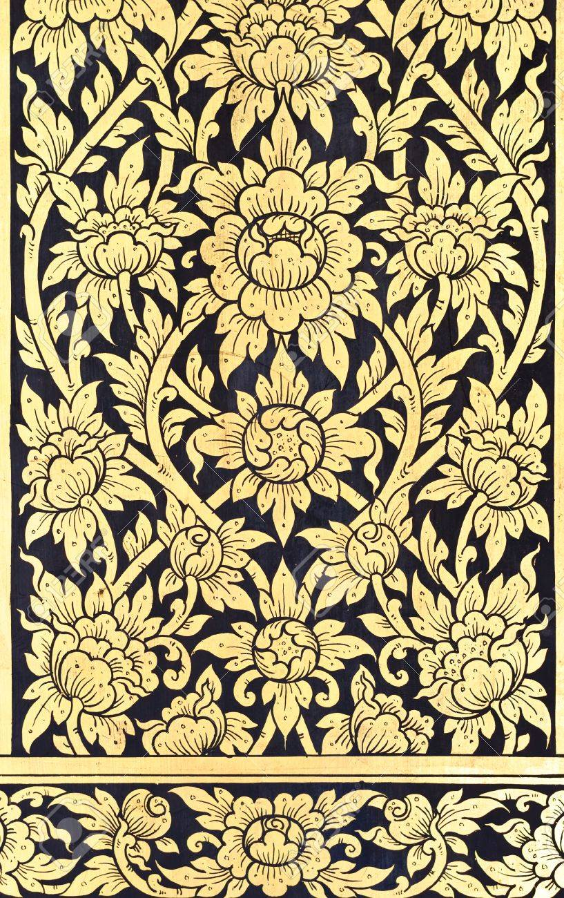 Golden flower painting in Thai style inside the old temple  Stock Photo - 13204366