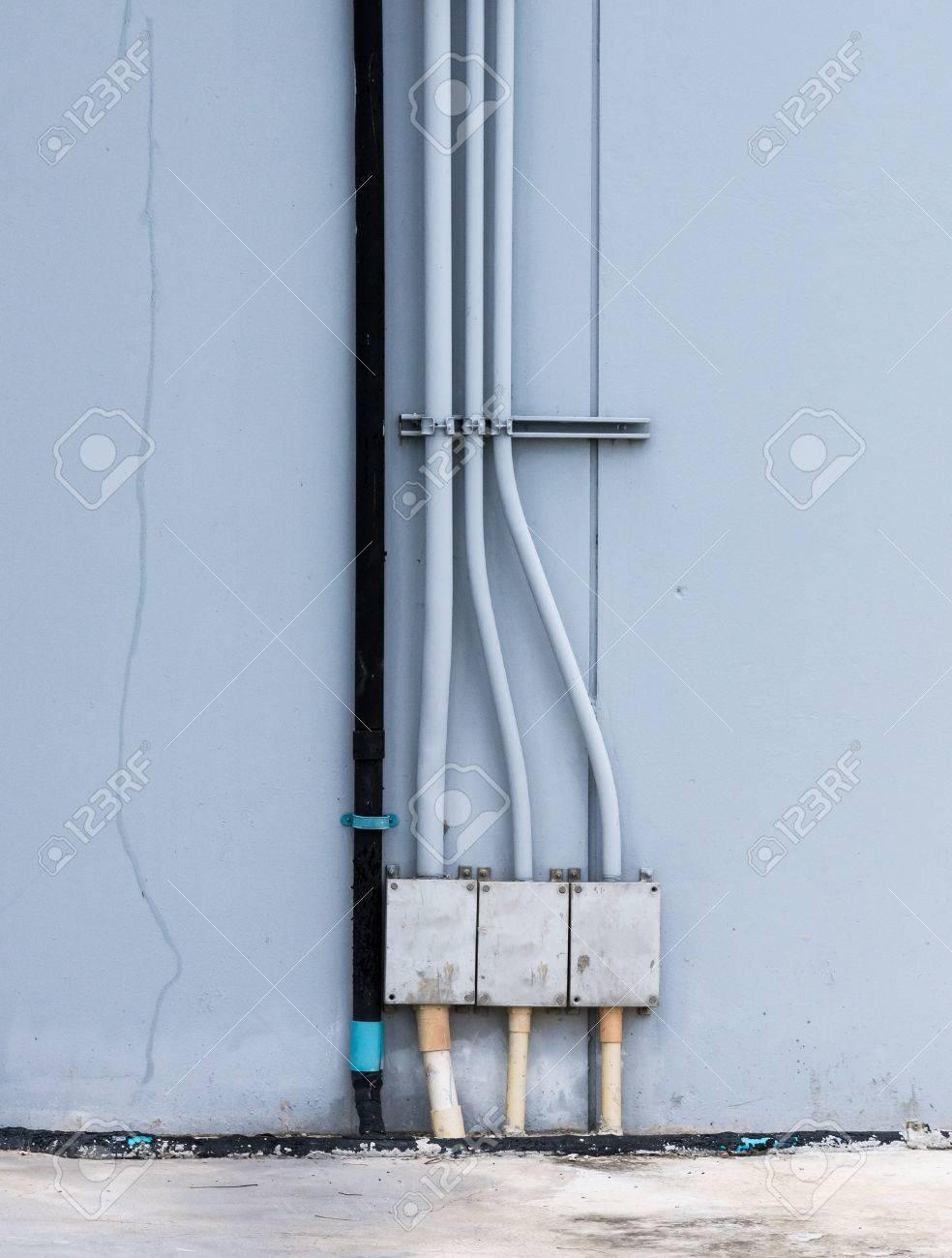 Fraktion Der Elektrischen Steuerkasten Auf Der Außenseite Der ...