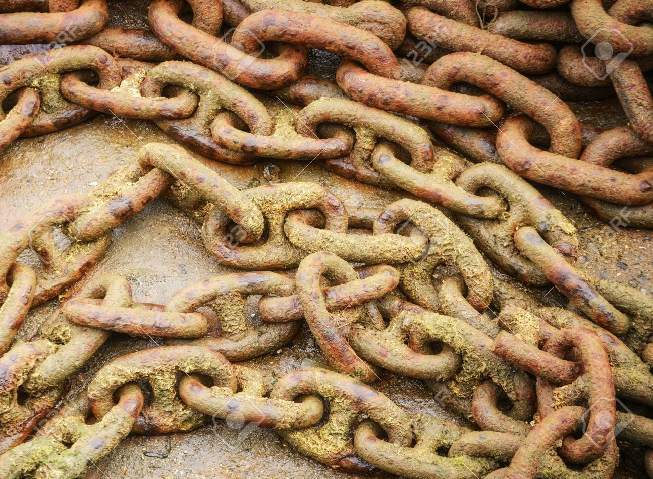 Detail of large rusty chain at harborside Stock Photo - 16877078