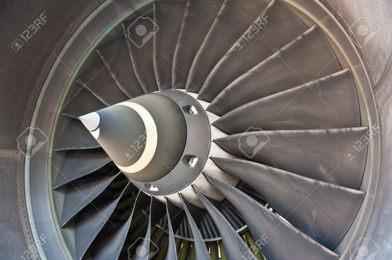 Jet engine turbine blade