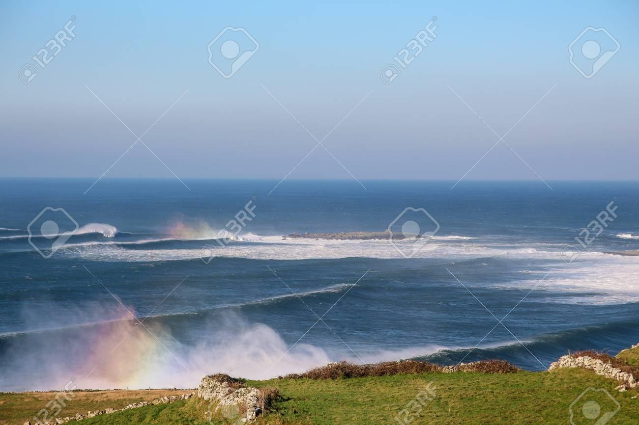 Ireland has many beautiful facets. From Dublin via Kilkenny to the Wild Atlantic Way - 122940199